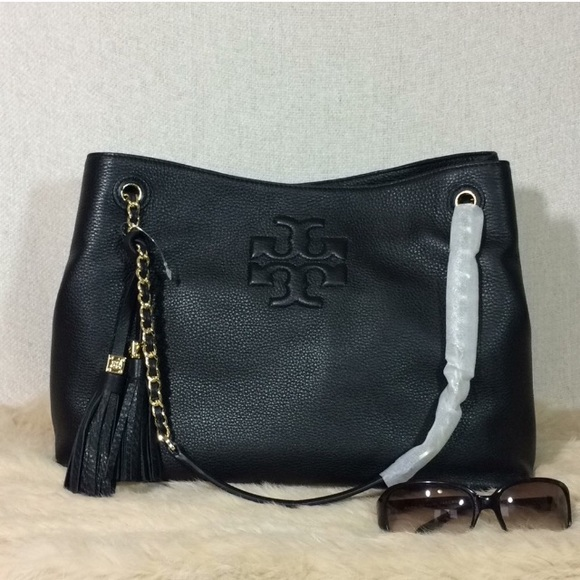 a8992752426 Tory Burch Black Thea Slouchy Chain Tote